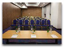 отель Ramada Hotel & Suites Wyndham Yerevan: Конференц-зал