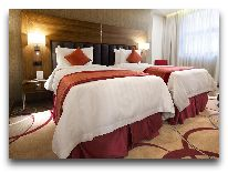 """отель Ramada Hotel & Suites Wyndham Yerevan: кроватью- """"queen-sizу"""""""