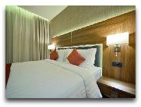 """отель Ramada Hotel & Suites Wyndham Yerevan: Номер скроватью- """"queen-sizу"""""""