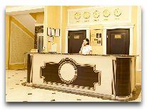 отель Regency: Ресепшен