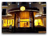 отель Regency: Вход в отель