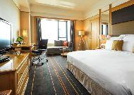 отель Renaissance Riverside Hotel: Club Cityview room