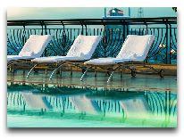 отель Renaissance Riverside Hotel: Бассейн