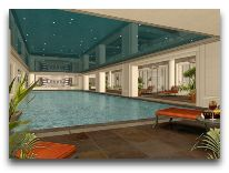 отель Rixos Almaty: Бассейн