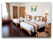 отель Romance Hue Hotel: Deluxe City View room