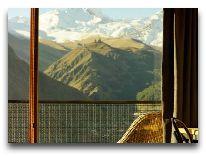 отель Rooms Kazbegi: Стандартный номер вид из окна
