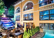 отель Royal Grand Hotel & Spa: Фасад отеля