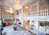 отель Royal Grand Hotel & Spa: Холл отеля
