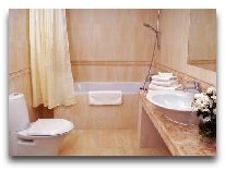 отель Royal Hotel & Spa Resort Promenad: Номер люкс-ванная