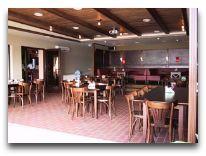 отель Salos: Ресторан