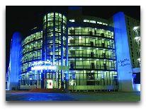 отель Sanapiro: Отель вечером