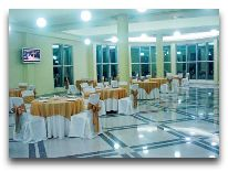 отель Sanapiro: Ресторан