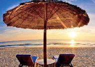 отель Sandy Beach Resort: Пляж