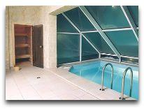 отель Santa Hotel: Сауна и бассейн