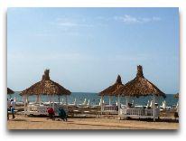 отель Sea Breeze: Территория пляжа