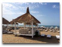 отель Sea Breeze: Пляж отеля