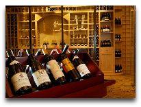 отель Sea Links Beach Hotel: Винотека