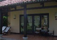 отель Seahorse Resort: Beach Front Bungalow - терраса