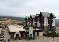 отель Shahdag Hotel&Spa: Вид из окна на отель Park Chalet