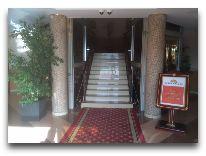 отель Shaki Palace Hotel: Вход в отель
