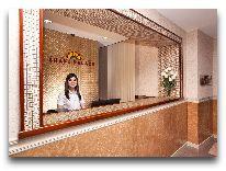 отель Shaki Palace Hotel: Решепшен