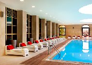 отель Sheraton Batumi: Крытый бассейн