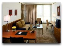 отель Sheraton Metechi Palace Hotel: Гостинная Deluxe Suite