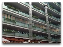отель Sheraton Metechi Palace Hotel: Холл отеля