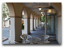 отель Shirvan Hotel & Spa: Терраса внутреннего дворика