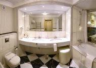 отель Швейцарский: Номер полулюкс - ванная
