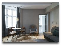 отель SP 34: Гостиная номера Suite