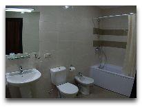 отель СПА Ризорт: Ванная в номере Люкс