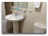 отель СПА Ризорт: Ванная в трехместном номере