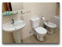 отель СПА Ризорт: Ванная в номере Полулюкс