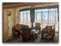 отель Spring Hotel: Холл отеля