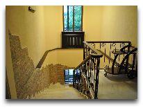 отель Old Telavi: Лестница