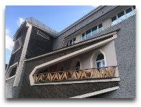 отель Svanetiya: Фасад отеля
