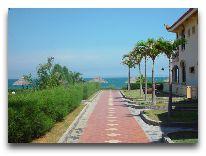 отель Swiss Village Resort: Дорога к пляжу
