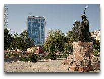 отель Tebriz: Пямятник Деде