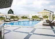 отель Tan Son Nhat Saigon Hotel: Бассейн