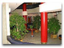 отель Tauras: Холл отеля