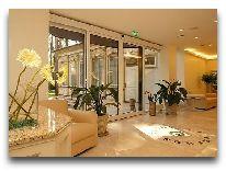 отель TB Palace: Вход в отель