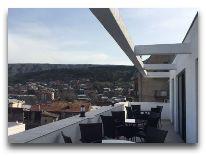 отель Tbilisi Inn: Ресторан на крыше