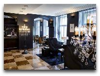 отель Telegraaf: Холл