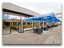 отель Tervis Medical SPA: Летняя веранда и вход в ресторан