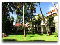 отель The Beach Resort: Территория отеля