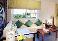 отель The Cliff Resort & Residences: Verde Lounge