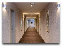 отель The Grand Gloria Hotel: Коридор