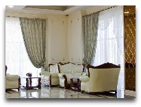 отель The Plaza Hotel Bishkek: Холл отеля