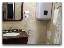 отель The Plaza Hotel Bishkek: Ванная в номере Luxe Suite